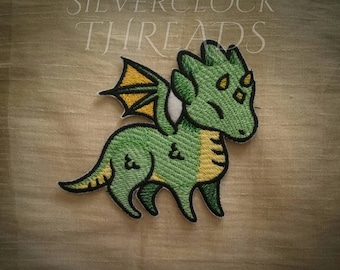 Sew-on patch - Dragon magical enchanted creature embroidery - 10 cm / 4 in