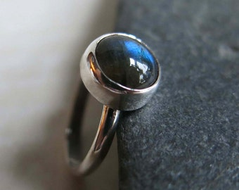Blue Labradorite Gemstone Ring, Simple Round Blue Gemstone Ring Size 7, Sterling Labradorite Ring