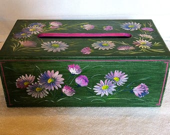 Box for Kleenex tissues with hand-painted flowers DAISY