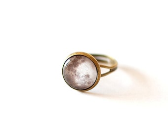 Moon Ring. Solar System Ring. Full Moon Ring. Glass Dome Ring.  Adjustable Ring. Space Ring. Universe Ring. Moon Jewelry. Space Jewelry.