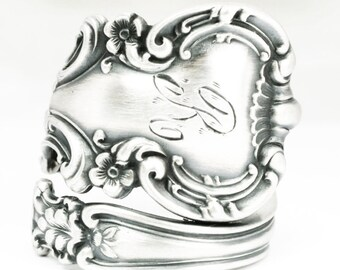 Sterling Silver Buttercup Spoon Ring, Floral Victorian Ring with Engraved R,  Vintage International Silver Avalon 1900, Adjustable Ring 7121
