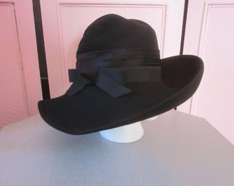 1950s Black Felt Hat with Black Grosgrain Ribbon Band