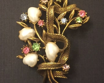 Vintage Coro Brooch / Branch with Flowers Made of Faux Pearls and Crystals