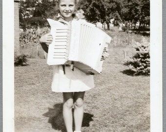 Vintage 40s Snapshot, Proud Little Girl With Her Accordion, Photo #113