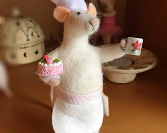 Needle Felted Chef Mouse Fibre Sculpture Art Doll OOAK Baking Cook Made By The Felt Fairy