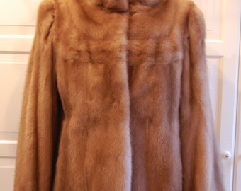Mink Coat (short) honey blonde beautiful condition and quality 1940s 50s immaculate size M