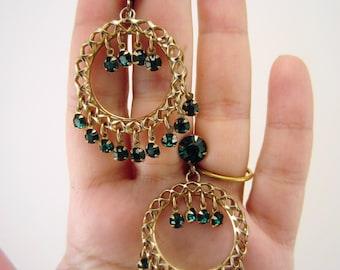 Rhinestone drop earrings. Vintage jewelry. Screw back earrings. Vintage jewelry. Green rhinestone jewelry. Gold wreath nonpierced earrings.
