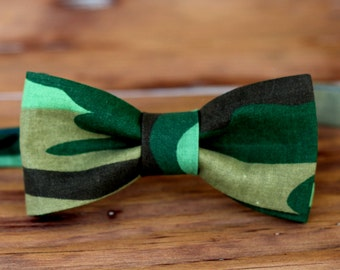 Mens Camo Cotton Bow Tie - pre tied adjustable camouflage bowtie - black green men's gift - wedding bow ties - army bow tie - hunting theme
