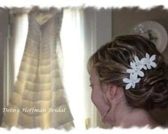Bridal Hair Flowers, Floral Wedding Hair Pins, Wedding Ivory Hair Flower Pins, Set of 6, Stephanotis Hair Flowers, Ivory Floral Bobby Pins
