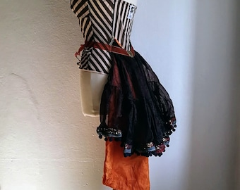 Alice in WastelandS Neo Victorian lingerie top with bustle. Dark fashion size L.