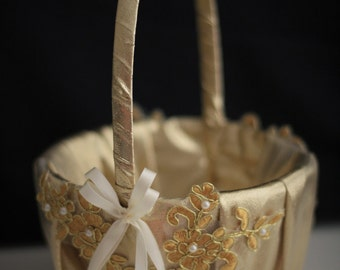 Gold Wedding Basket \ Gold Flower Girl Basket \ Gold Lace Basket \ Lace Wedding Basket in Gold \ Unique Basket \ Gold Petals Basket