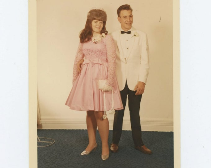 Vintage Snapshot Photo: Jerry & Darlene, Dayton, OH 1968 (610508)
