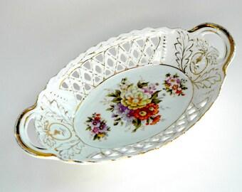 Antique lattice openwork oval bowl basket handled serving dish floral transferware gilt accent decoration decor centerpiece c 1900