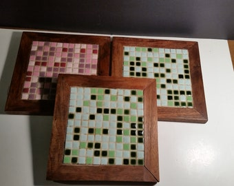 Wood-tile set of 3 trivets