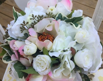 White and pink floral bouquet