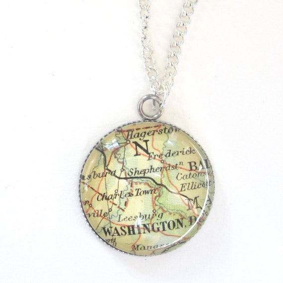 Personalized Map necklace - America variatons 20 mm