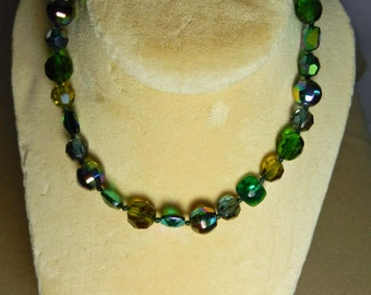 Vintage Necklace Green Glass