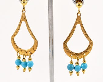 Gold earrings with turquoises