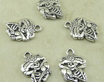 5 Catrina Charms > Day of the Dead Sugar Skull Skeleton - TierraCast Fine Silver Plated Lead Free Pewter - I ship Internationally - 2319