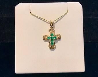 Vintage Filigree Emerald Cross Pendant VP-37