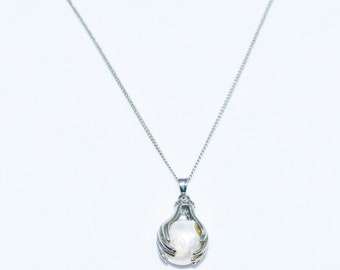 Pearl&Stainless Steel Clam Pendant/Sterling Silver Chain