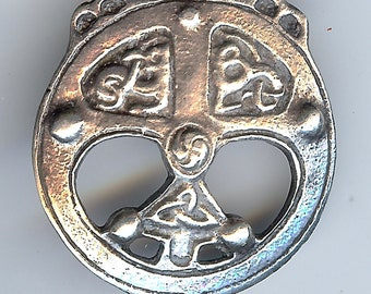 ANTIQUE STERLING SILVER ornate Celtic circle pin brooch