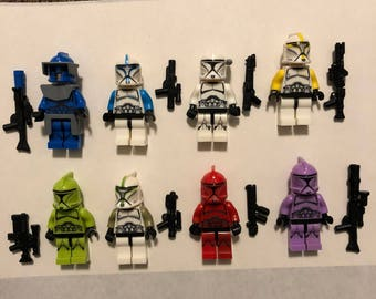 Building block 8 Custom mini-figures with accessories and weapons