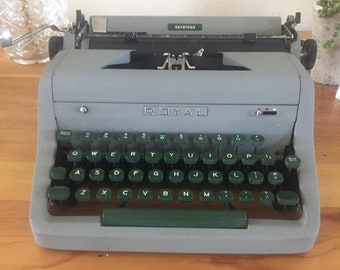 Royal Quiet DeLuxe portable typewriter, vintage typewriter, working typewriter, fully functional, qwerty, vintage decor, typewriter, 1960