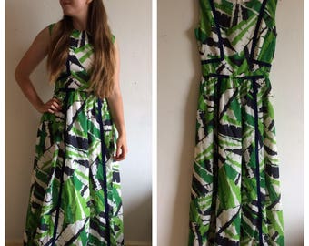 Stunning vintage original 50s green leaf/tropical pattern dress, gown