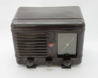 Vintage Art Deco Bakelite Oriol (France) tube radio