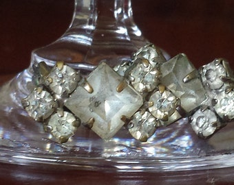 Vintage Retro 1950s diamonte rhinestone clip on earrings