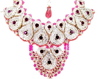 Exclusive Bollywood Style Indian Patwa Jewelry sets available with matching pair of earrings and Bindi.