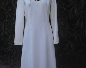 1970s White Knit Day Dress by  BLEEKER STREET Dress a division of Jonathan Logan