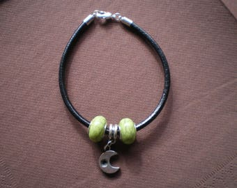 "Black leather bracelet with silver ""Moon"" charm beads"