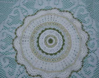 Vintage White and Green Crocheted Doilie - Vintage style for your Home.
