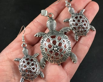 Necklace and Earrings Jewelry Set of Silver Tone Cute Sea Turtles