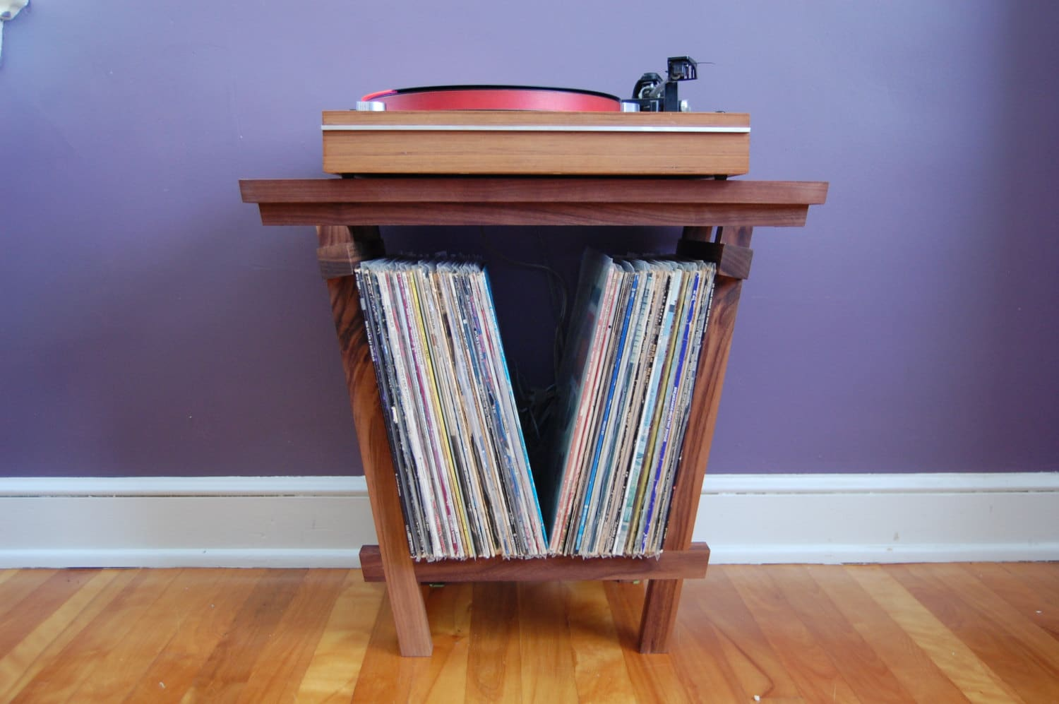 jordan shoes zero 100 turntable stand with lp 761918