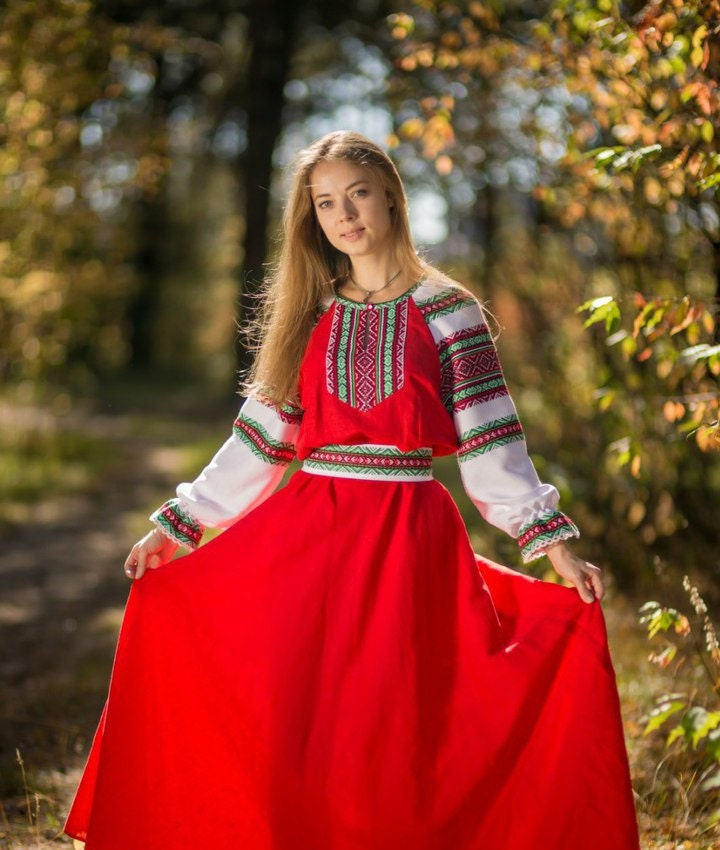 Traditional russian long sleeve linen sarafan