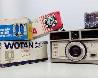 Unused Flash Cubes/Bulbs - Ideal For Instamatic Cameras - Many Brands Available