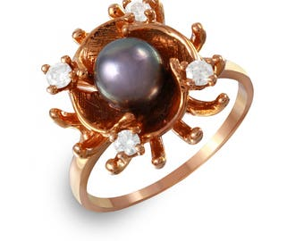 Women's Diamond and Pearl Ring