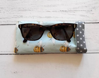 Bumble bee glasses case - glasses case - reading glasses case -sunglasses case - glasses pouch - padded glasses pouch