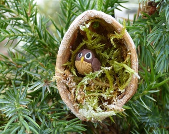Christmas Walnut Shell Decoration: Tawny Owl