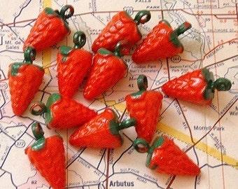 12 Vintage Plastic Strawberry Kitsch Charms