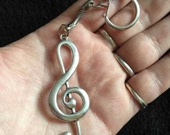 80p UK P&P Handmade Music note keyring Pendant keychain in gift bag Silver treble clef alloy punk rock chick indi emo rockabilly