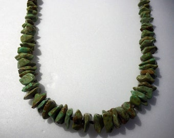 Santo Domingo Green Natural Turquoise Graduated Nugget Vintage Necklace