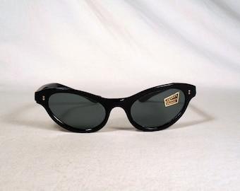 fabulous vintage sunglasses lunettes eyeglasses 1960 cat eye carved frame france rare