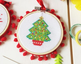 Christmas tree cross stitch, christmas craft, cross stitch, needlepoint, modern cross stitch, craft supplies, stocking fillers, craft kit