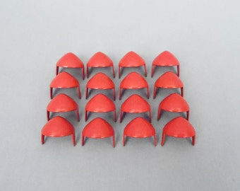 100 Red Half Inch (13mm) Cone Studs