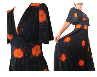1970s POPPIES floral Bell Sleeves MAXI DRESS // Festival floral hippie maxi Prairie maxi dress // size eu 38- uk 10- us 6