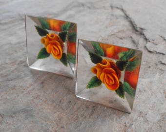 Vintage 1950's Reverse Carved Lucite Flower Screw Back Earrings
